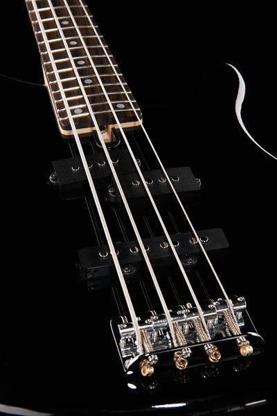 Бас-гитара YAMAHA TRBX174 3